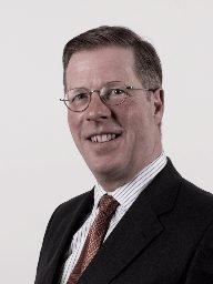 Directors and Officers Versicherung (D&O) Haftungsexpertin MRH Trowe Schöffel