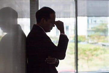 Verzweifelter Geschäftsführerer wegen Schadenfall in der D&O-Versicherung